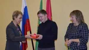 В Гордеевке получил ключи от квартиры еще один брянский сирота