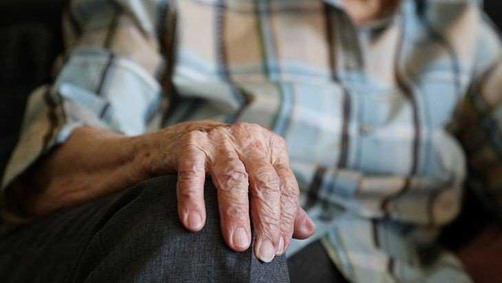 Брянские старики обменяли 675 тысяч рублей на билеты «банка приколов»