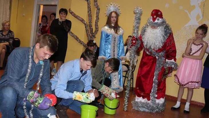 Новогодние подарки получили дети Трубчевской школы-интерната Брянщины