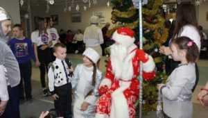 В Унече организовали новогодний праздник для детей-инвалидов