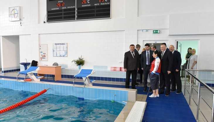В Брянске губернатор Богомаз показал полпреду Щёголеву новый бассейн