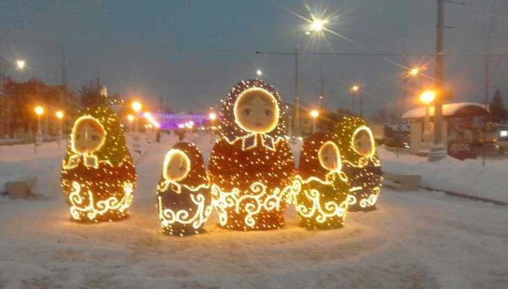 На набережной Брянска появились светящиеся матрёшки