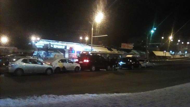 В Брянске возле гипермаркета «Линия» столкнулись пять машин