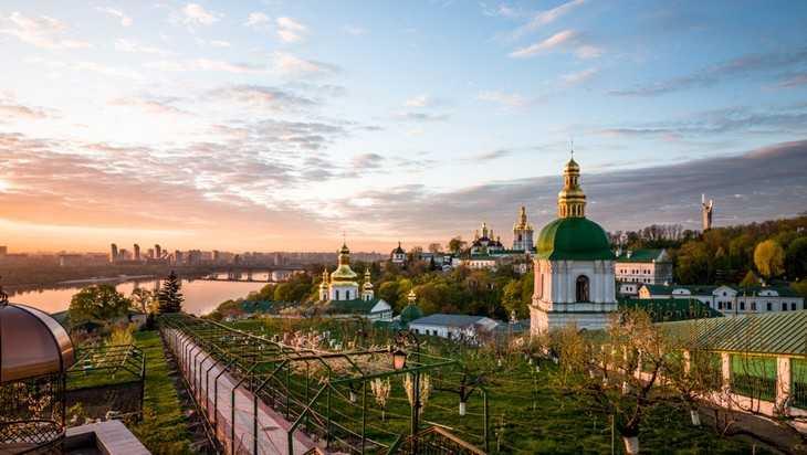 Константинополь полностью подчинит себе украинскую церковь