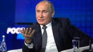 Владимир Путин объяснил, почему он не отвечает на звонки Порошенко