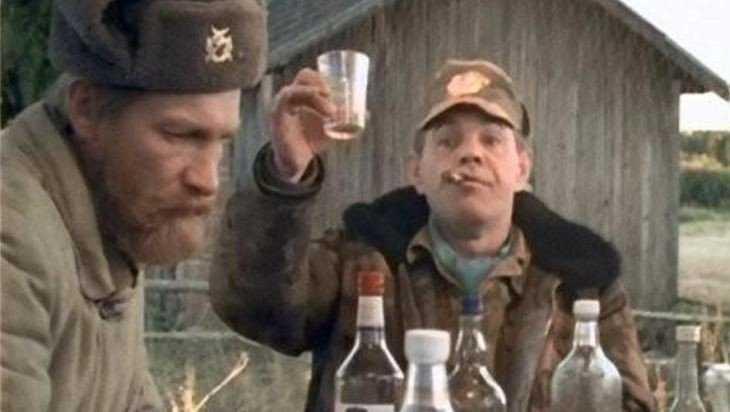 У двоих алкоголиков в Трубчевском районе отберут ружья