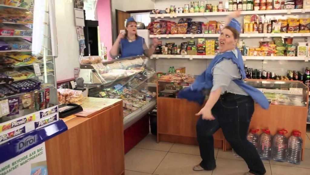 Россияне готовы потратить 17 тысяч на Новый год