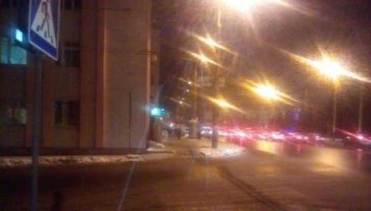 В центре Брянска неизвестный водитель сбил на «зебре» парня