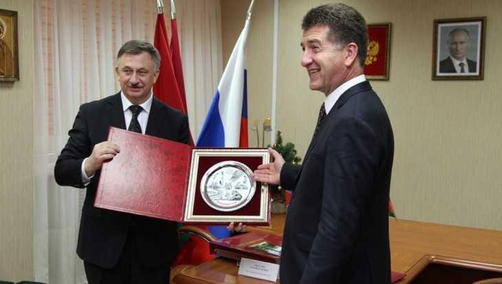 Брянск и Владивосток стали городами-побратимами