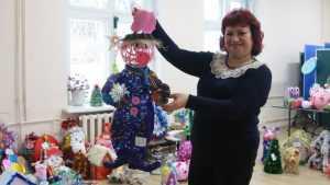 В Брянске завершился отбор новогодних игрушек для елок