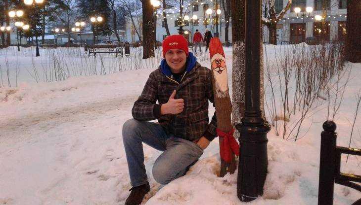 Брянский общественник Михаил Шпаков забил веселого Санта Клауса