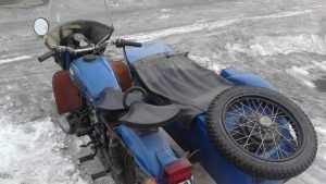 В Брянске столкнулись мотоцикл «Урал» и автомобиль «Рено»