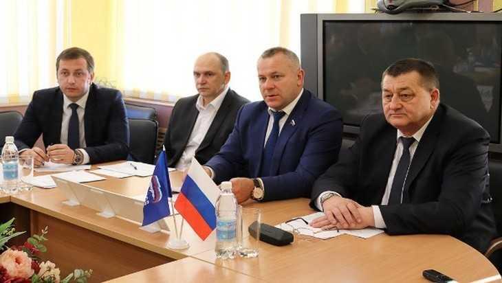 Валентин Суббот провел прием граждан в Клинцах