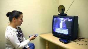 Бедным брянцам выделили деньги на покупку цифровых ТВ-приставок