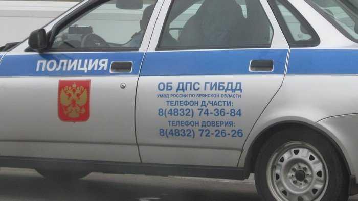 В Брянске 22-летний лихач протаранил два автомобиля на проспекте