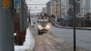 В Брянске на битву со снегом направили 70 машин