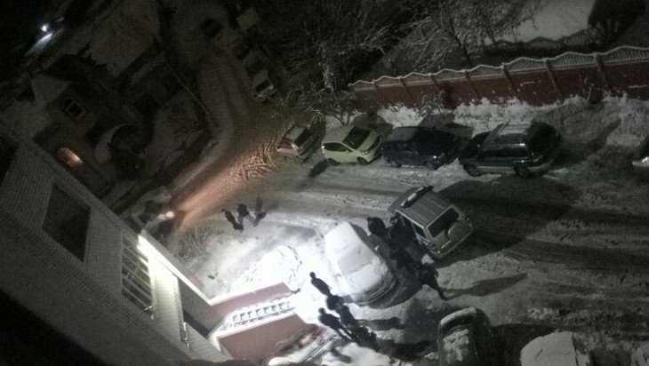 В Брянске на Рославльской погиб упавший с балкона 24-летний парень