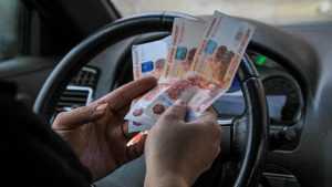 В Сураже женщина-таксистка пожаловалась на своего работодателя