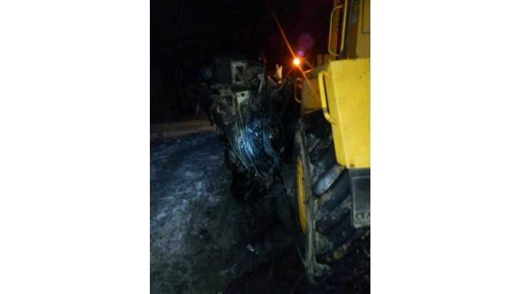 Во Мглине водитель легковушки погиб под колесами погрузчика