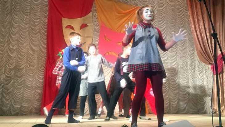 В Навле Брянской области торжественно открыли Год театра