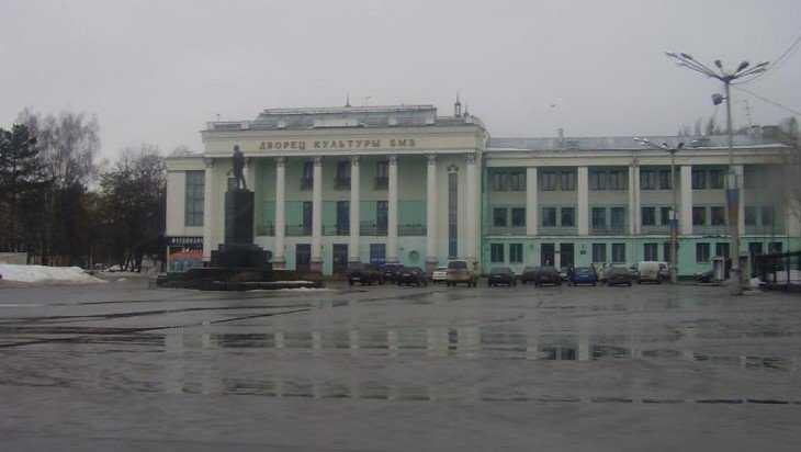 К Новому году в Брянске завершится первый этап капремонта ДК БМЗ