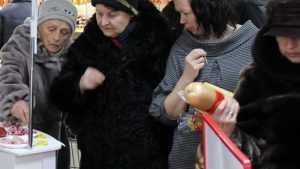 «Фарш тухлый, рыба тухлая»: предновогодняя торговля возмутила брянцев
