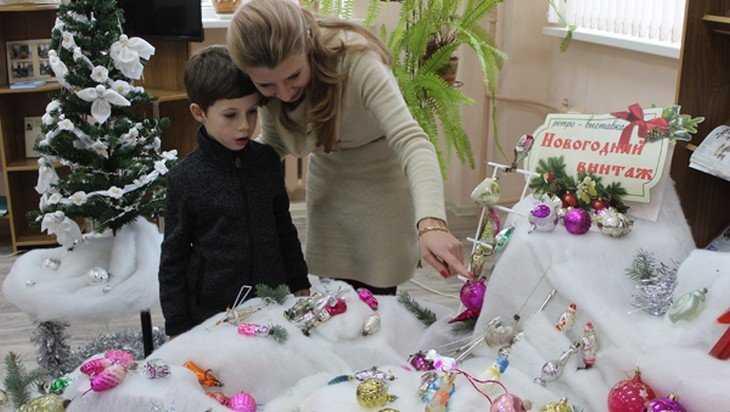 В Почепе открыли уникальную ретро-выставку «Новогодний винтаж»