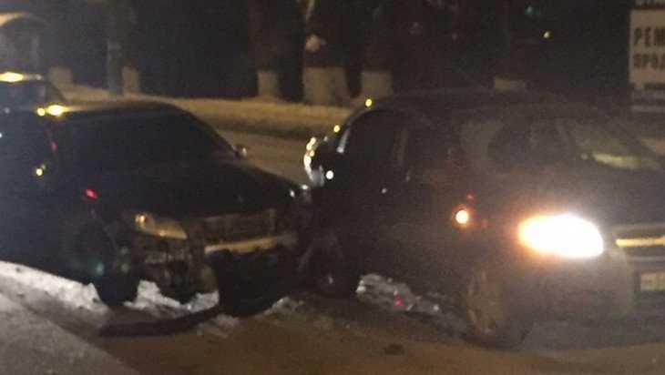 В Брянске возле «Речного» микрорайона произошло серьезное ДТП