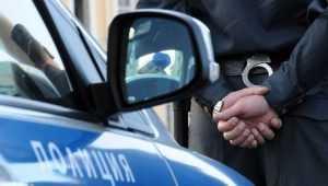 УМВД рассказало о задержании брянского полицейского за крупную взятку