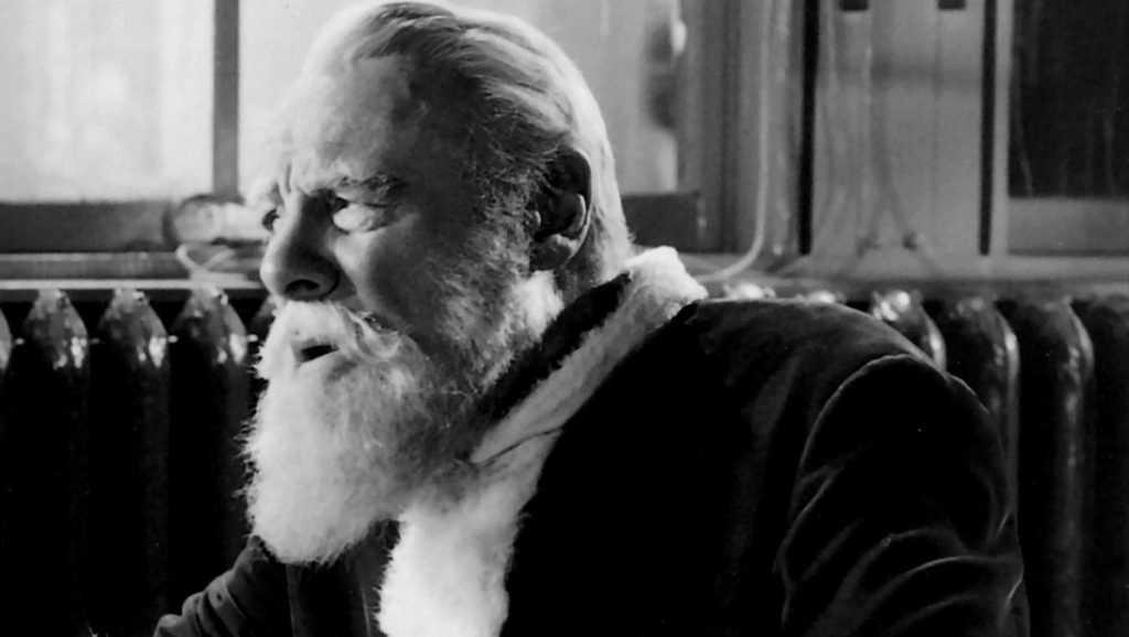 Дед Мороз умер прямо на детском утреннике
