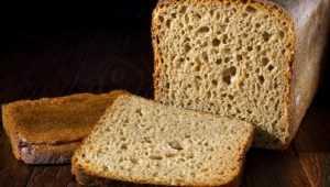 Жительница Новозыбкова повредила зуб саморезом из купленного хлеба