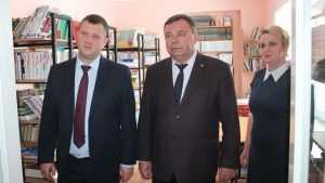 Владимир Оборотов вручил новогодние подарки в брянском интернате