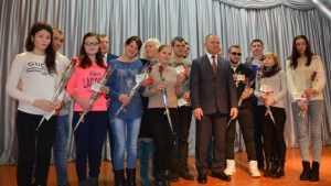 В Новозыбкове детям-сиротам к Новому году дали квартиры