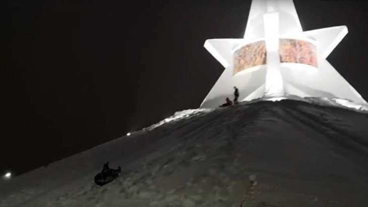 В Брянске разгорелись споры вокруг катаний с Кургана Бессмертия