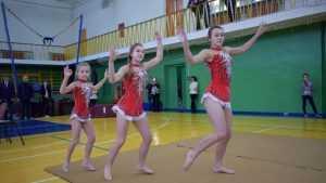 В Клинцах брянские акробаты определили чемпионов региона
