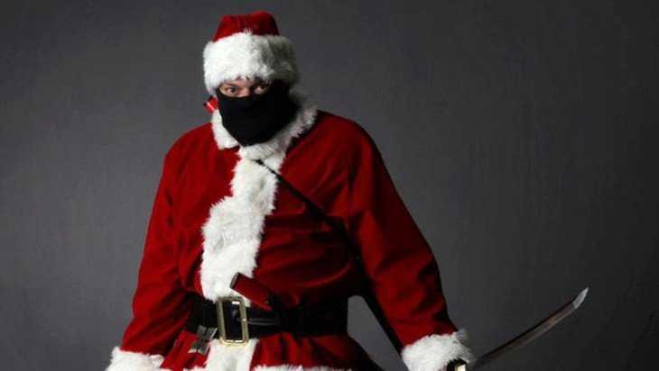 В Бежице пивной бар ограбил Дед Мороз с ножом