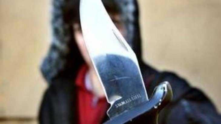 Житель жуковской деревни зарезал свою сожительницу