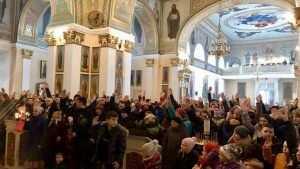Херсон поднял бунт против религиозного насилия Петра Порошенко