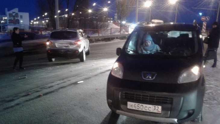 В Брянске пострадавший водитель обратился к свидетелям массового ДТП