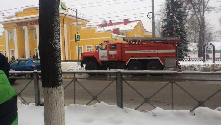 В Брянске эвакуировали администрацию и многие школы