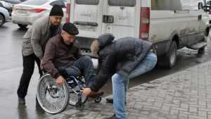 В Брянске суд обязал власть соорудить для инвалидов пандусы к остановкам
