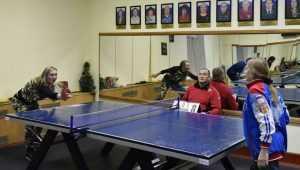 В Брянске прошел теннисный турнир среди самых жизнелюбивых людей