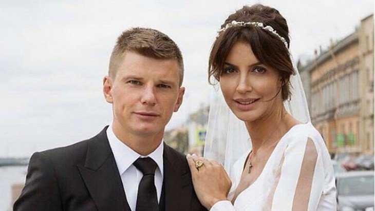 Футболист Андрей Аршавин развелся с Алисой Казьминой