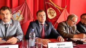 Пассивных брянских коммунистов выстегали старшие товарищи