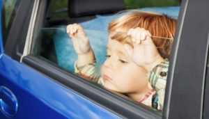 В Брянске возле детсадов гаишники проверят, как перевозят детей