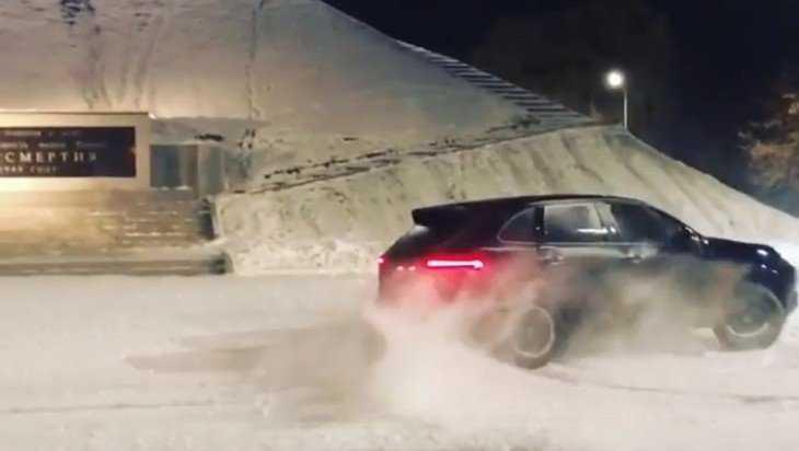 В Брянске водителя Porsche наказали за цирковой дрифт у Кургана
