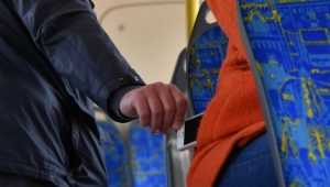 В поезде брянец украл смартфон у 11-летнего мальчика