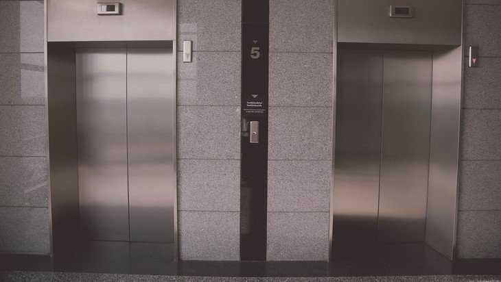 Лифты брянских больниц отремонтируют за 200 миллионов рублей