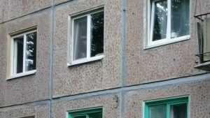 Жителей домов с газовыми плитами могут заставить заменить пластиковые окна