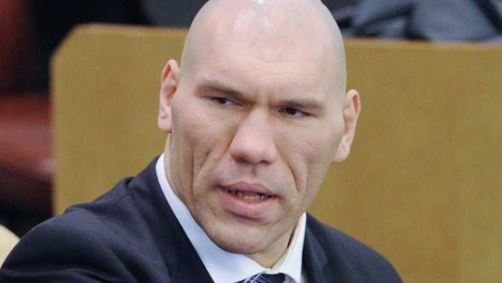 Многодетная мать попросила у брянского депутата Валуева квартиру